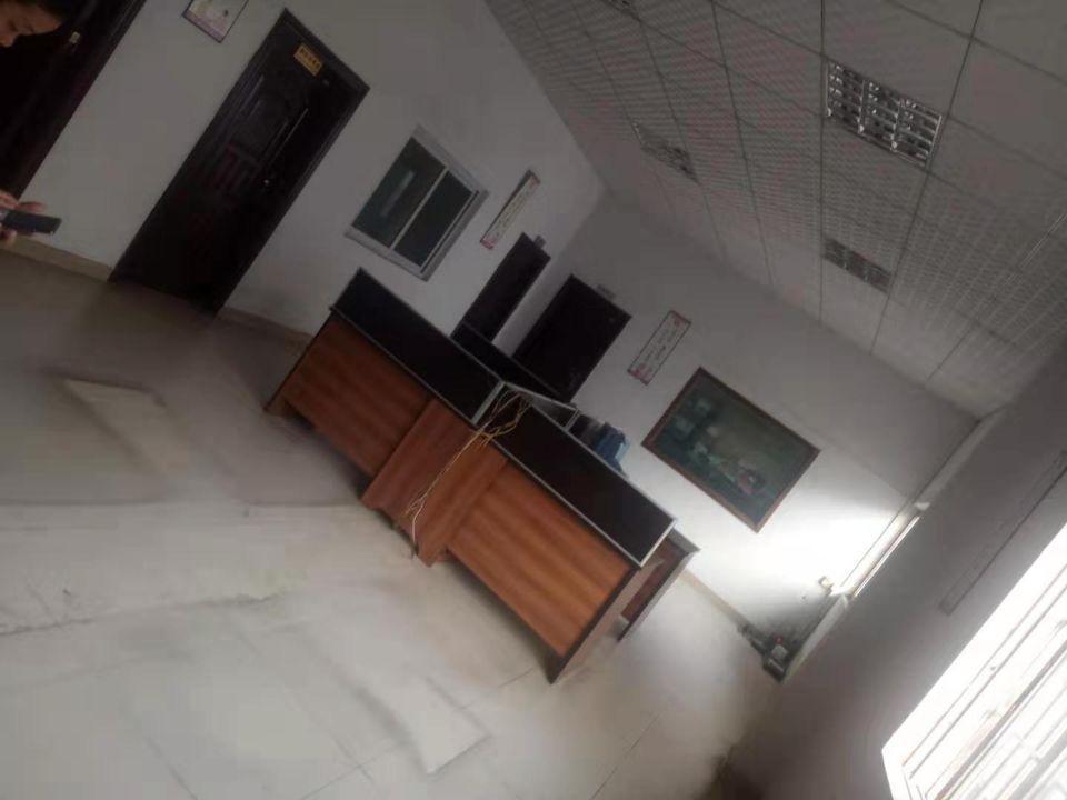 石碣镇独院1-2楼2000方,现成办公室