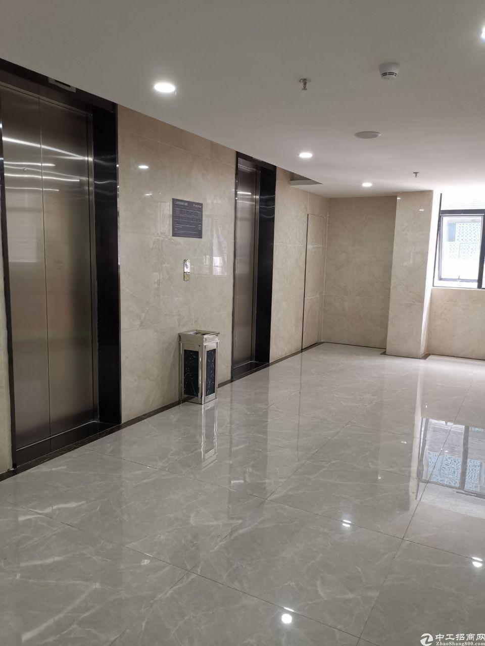福永桥头地铁站附近楼上150平方办公室出租