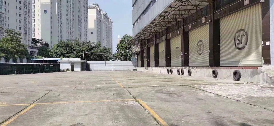 福永107边上,独门独院,物流仓库3万平方招租。