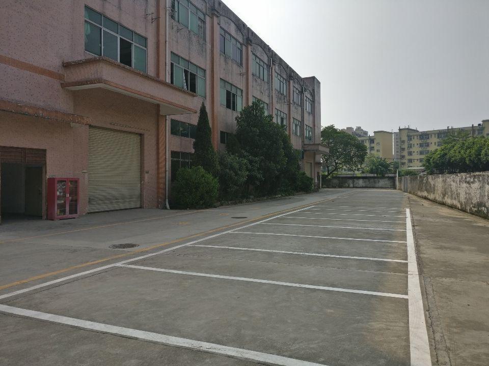 沙井后亭新出楼上1500平方实际面积出租空地大交通方便