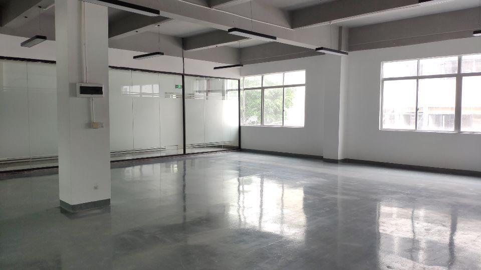 全新办公室,电商聚结点,华南城零距离,相信自己你的选择就是这