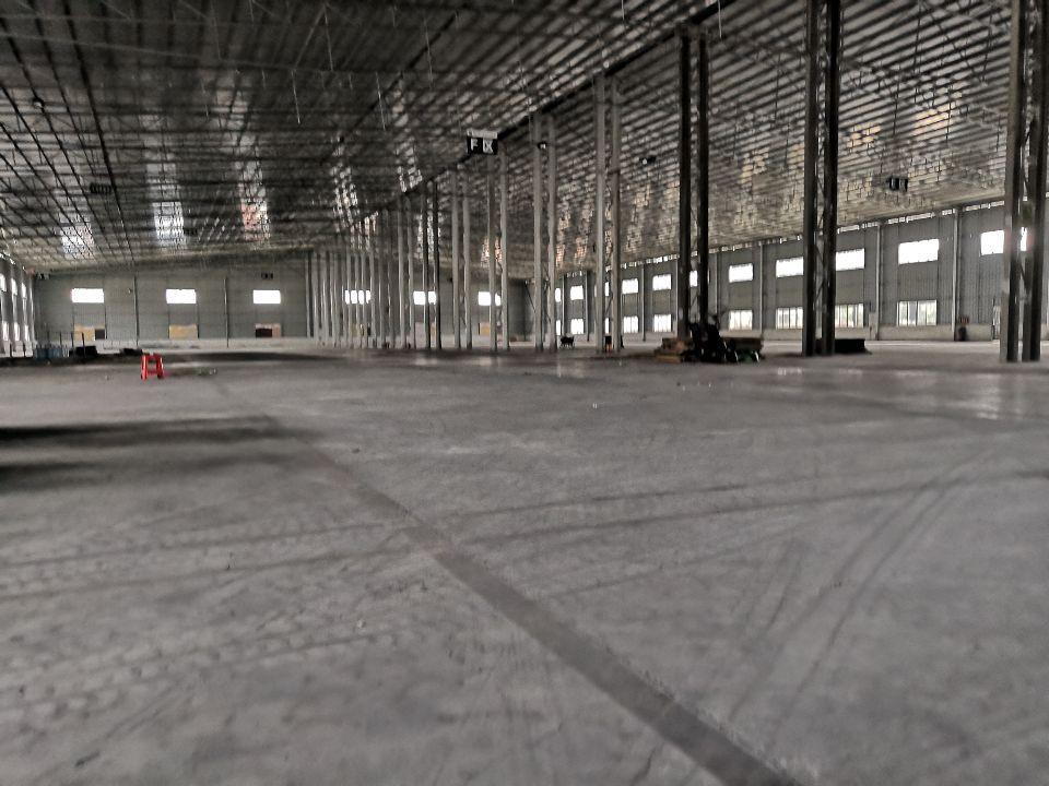 花东镇单一层仓库滴水10米,适合物流仓库,空地大,交通方便