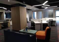 光明精装修办公室出租带红本大小面积都有可分租