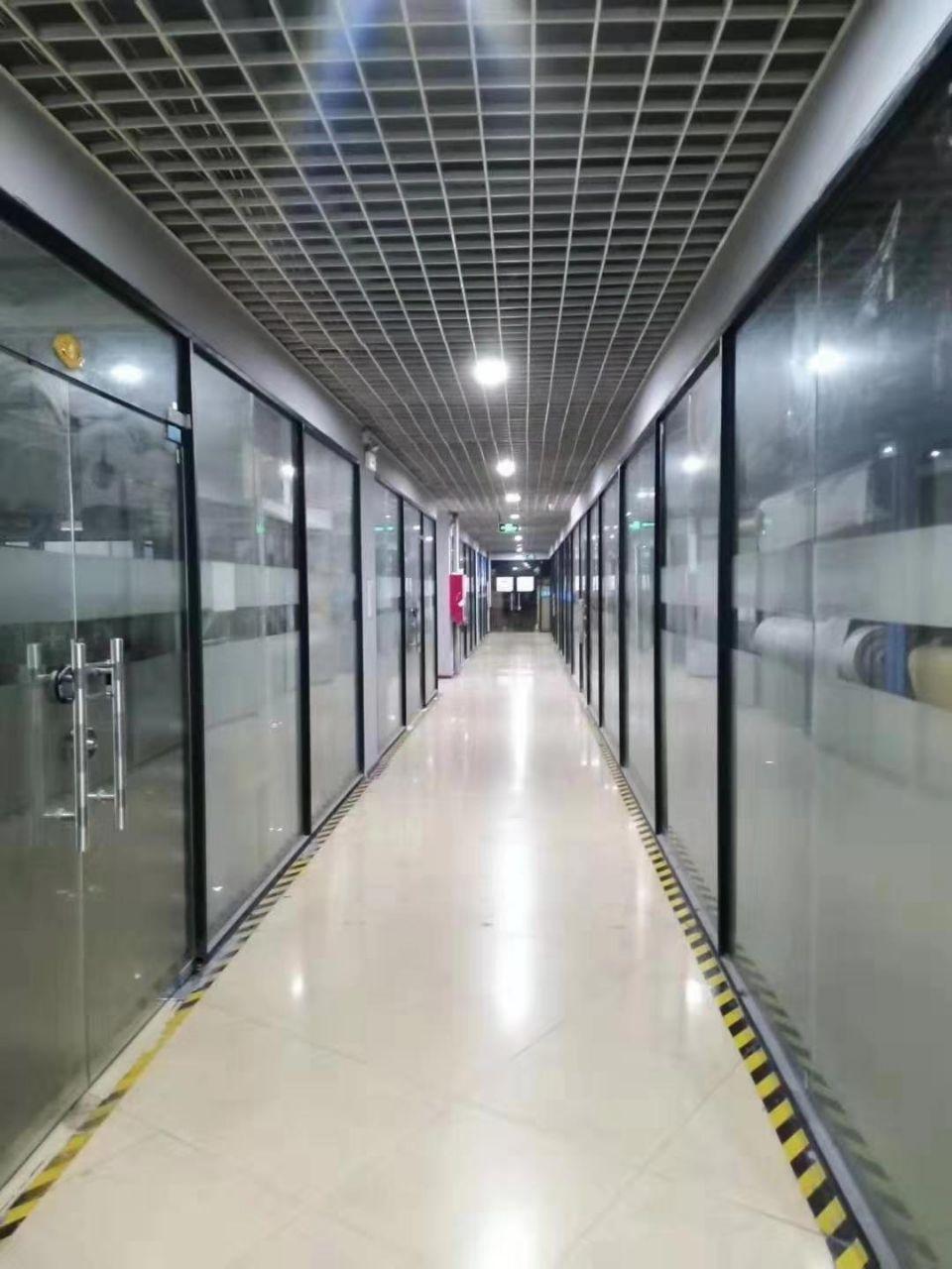 福永楼上新出400平精装修厂房,水电到位,不用转让费