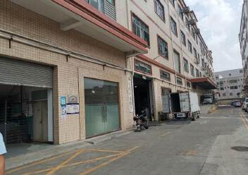 深圳公明新出独院楼上整层厂房图片4