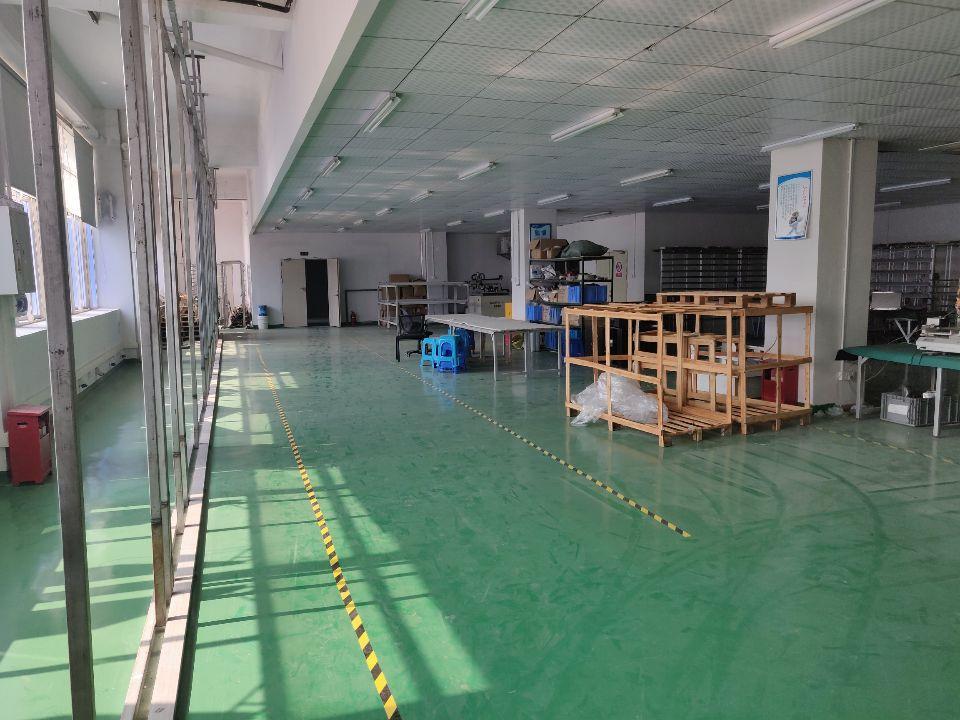 龙华元芬地铁站附近实业客分租900厂房大小面积可以分租