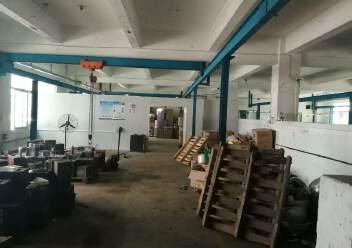坪地一楼带行车小面积厂房出租图片2