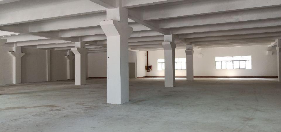 平湖华南城边上一楼1500平方出租。