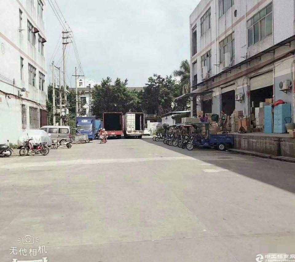 福永白石厦国道边一楼1400平米带卸货平台物流仓库出租