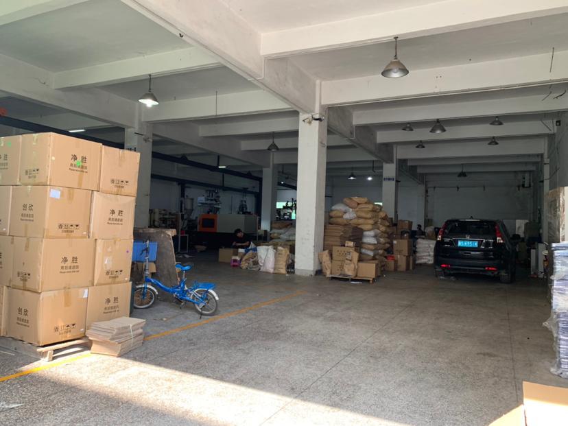 清溪大道边新出原房东独院厂房一楼高度6米870平方招租