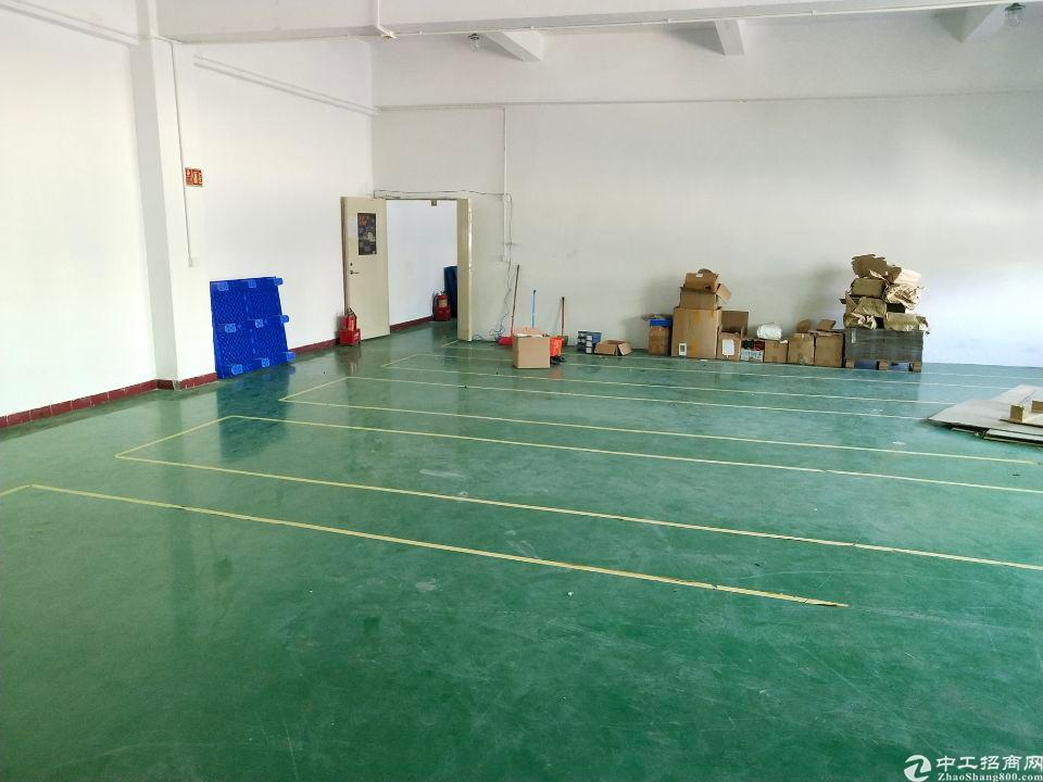 厂房位于长安镇乌沙货梯直达,300平米停车方便精装修环评环保