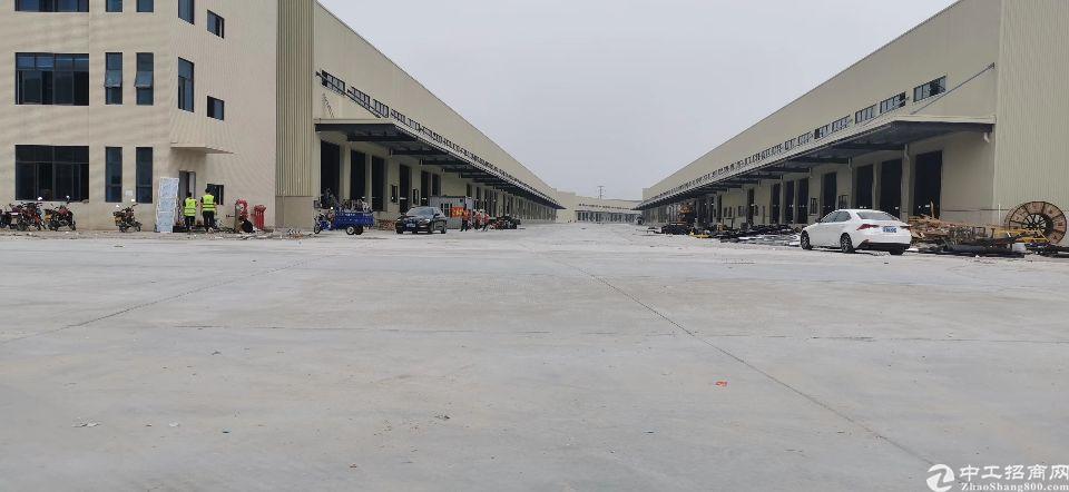 花都区秀全汽车城附近原房东单一层钢构物流仓库1.4万平米招租