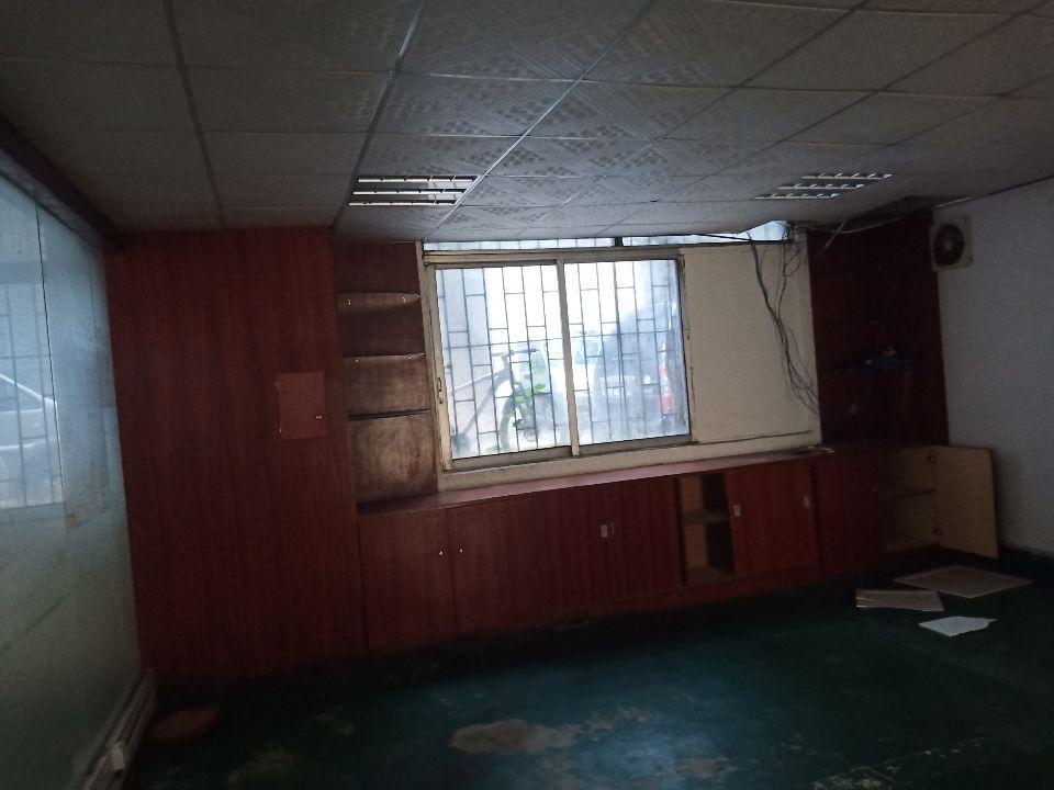 长安涌头1楼500平方带精装修办公室厂房出租