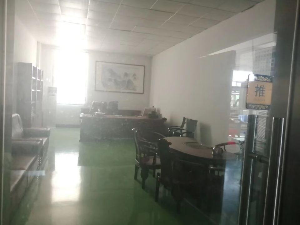 坪地新出楼上带地坪漆750平厂房可分租-图3