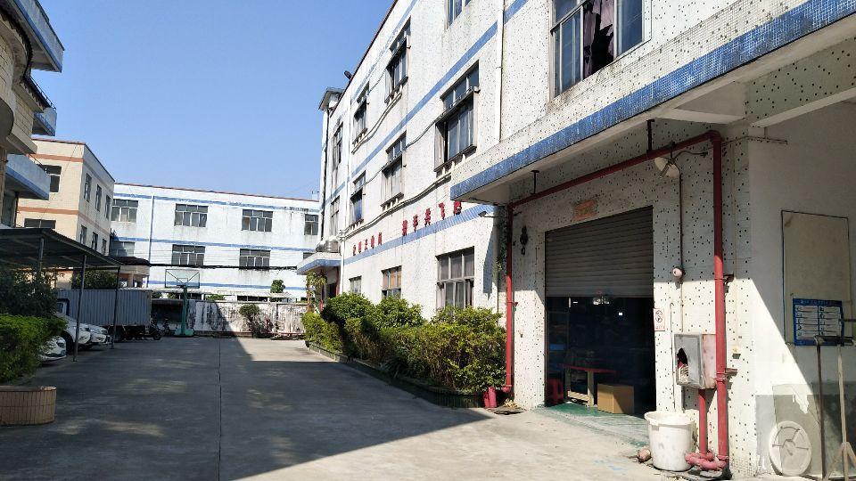 龙归南岭工业区三楼830平,仓库厂房