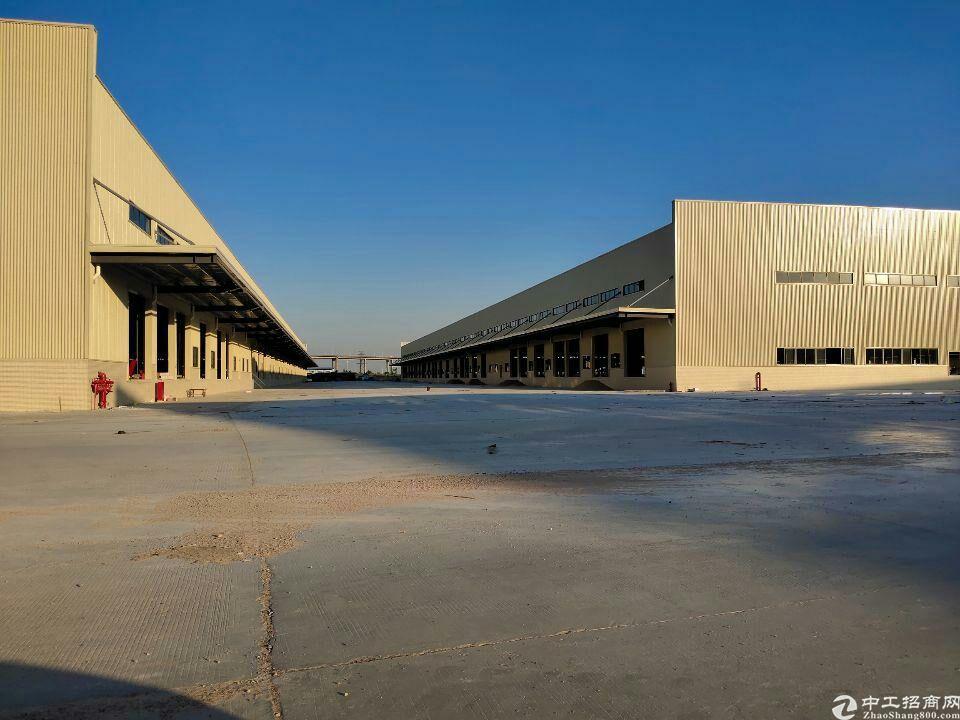 广州市黄埔区新建16000平方钢构高台物流仓库出租证件齐全