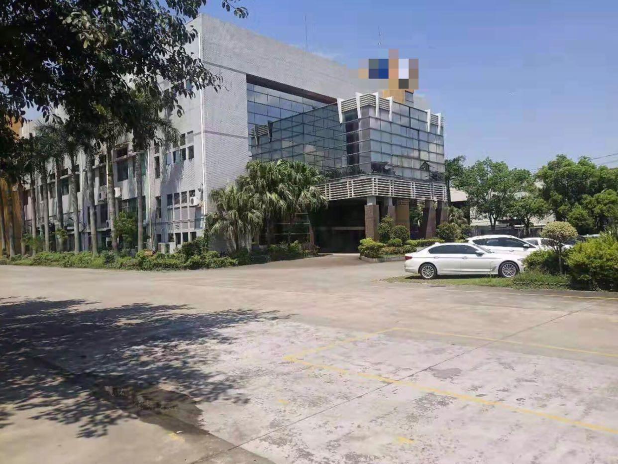 长安镇新安大桥附近新出楼上40000平方厂房招租。