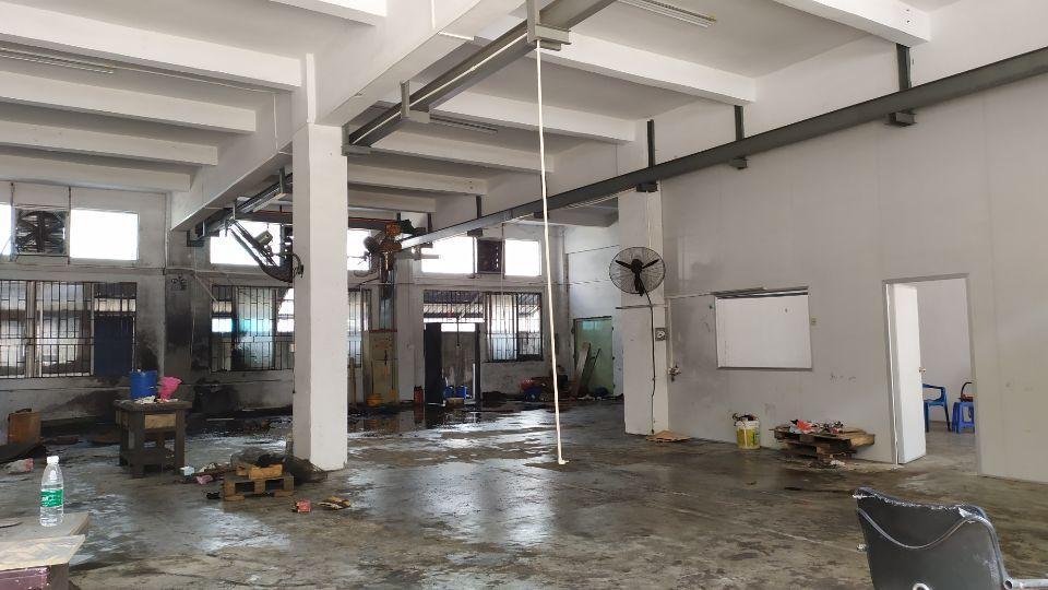 长安乌沙新出一楼450平方办公室水电齐全拎包即可生产
