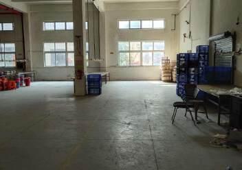 观澜环观南路边大型工业园内一楼厂房出租1600平米,层高6米图片4