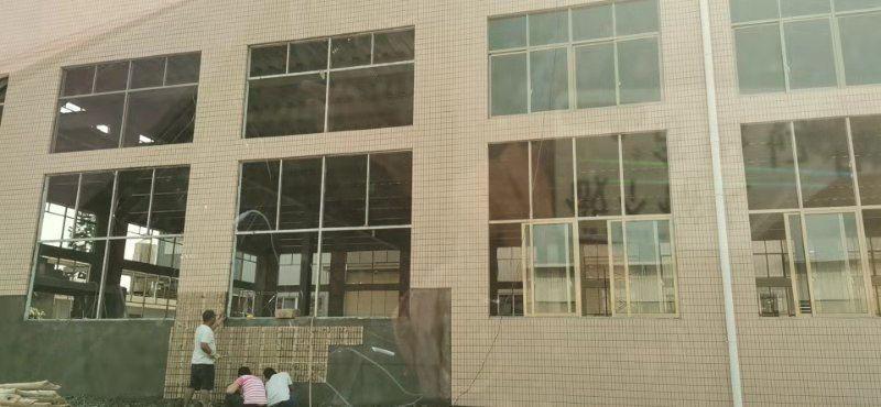 长安镇全新砖墙到顶钢构厂房两层4000平方,便宜出租