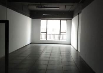 凤岗沙岭汽车站附近精装修写字楼60平方起租图片3