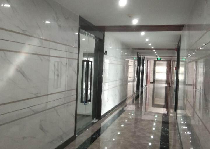 凤岗沙岭汽车站附近精装修写字楼60平方起租图片5