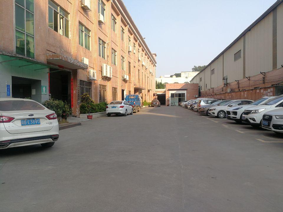 长安镇广深高速周边楼上精装修厂房