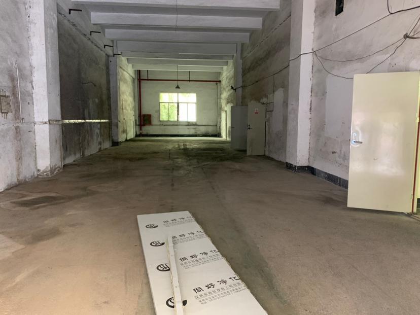 西乡固戍宝源路精装厂房一楼550平