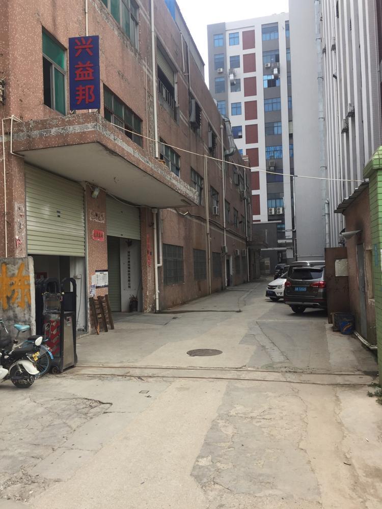 光明塘尾松白路边独院厂房3750平招租