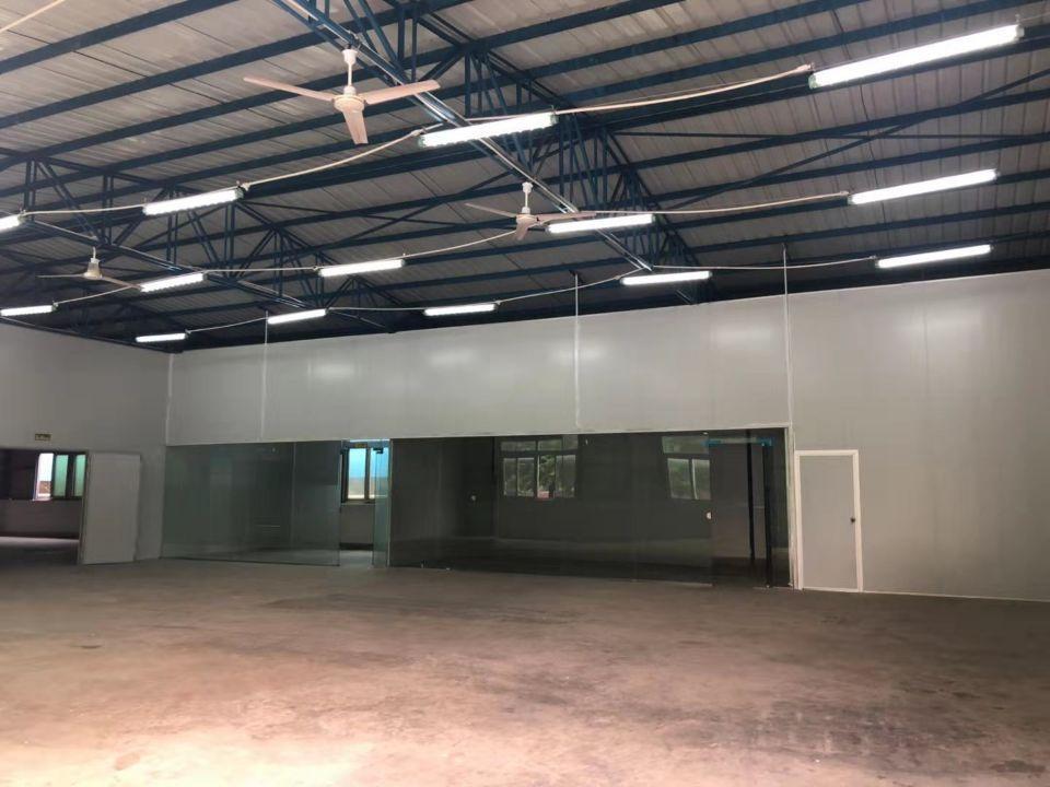 西丽精装修仓库,交通方便位置好,业主直租。仓库漂亮。