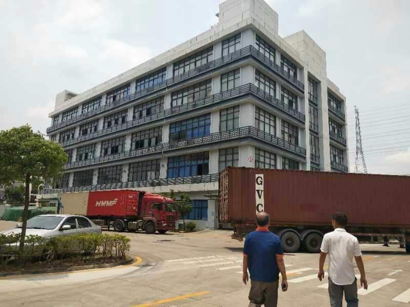 长安主干道旁边,新出花园式厂房,以下实图,厂房三层,单层面积