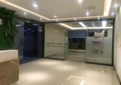 龙华清湖地铁口路附近新出楼上1050平带精装修办公的出租