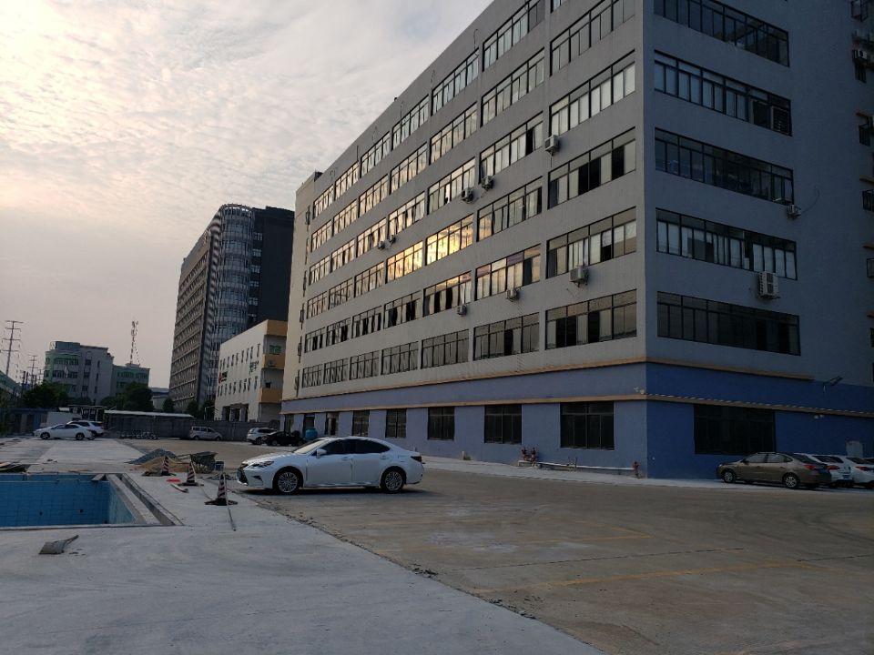 容桂红旗工业区主干道边全新厂房二楼整层3600平方