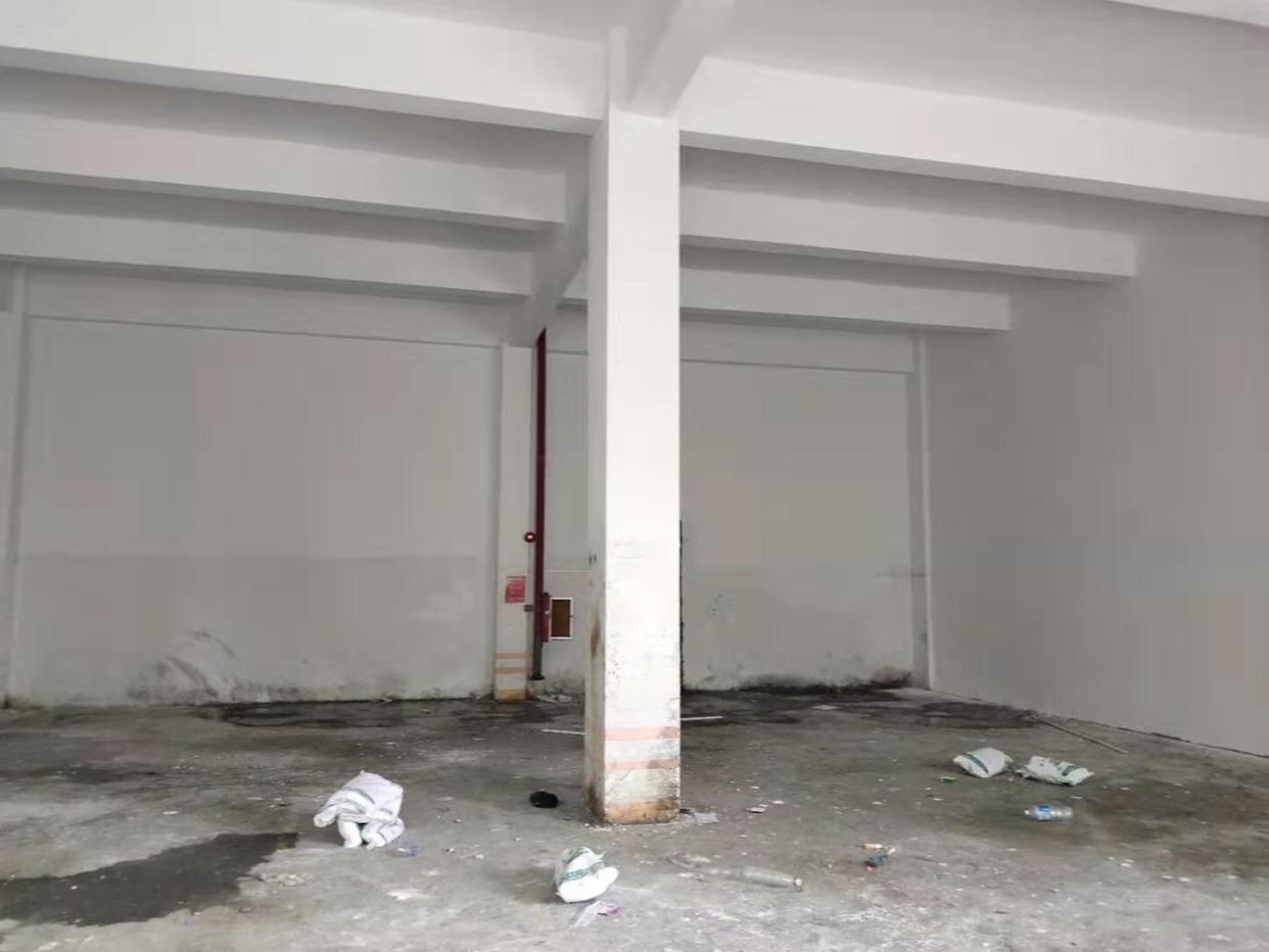 坪山大工业区标准一楼厂房320平方仓库出租空地大
