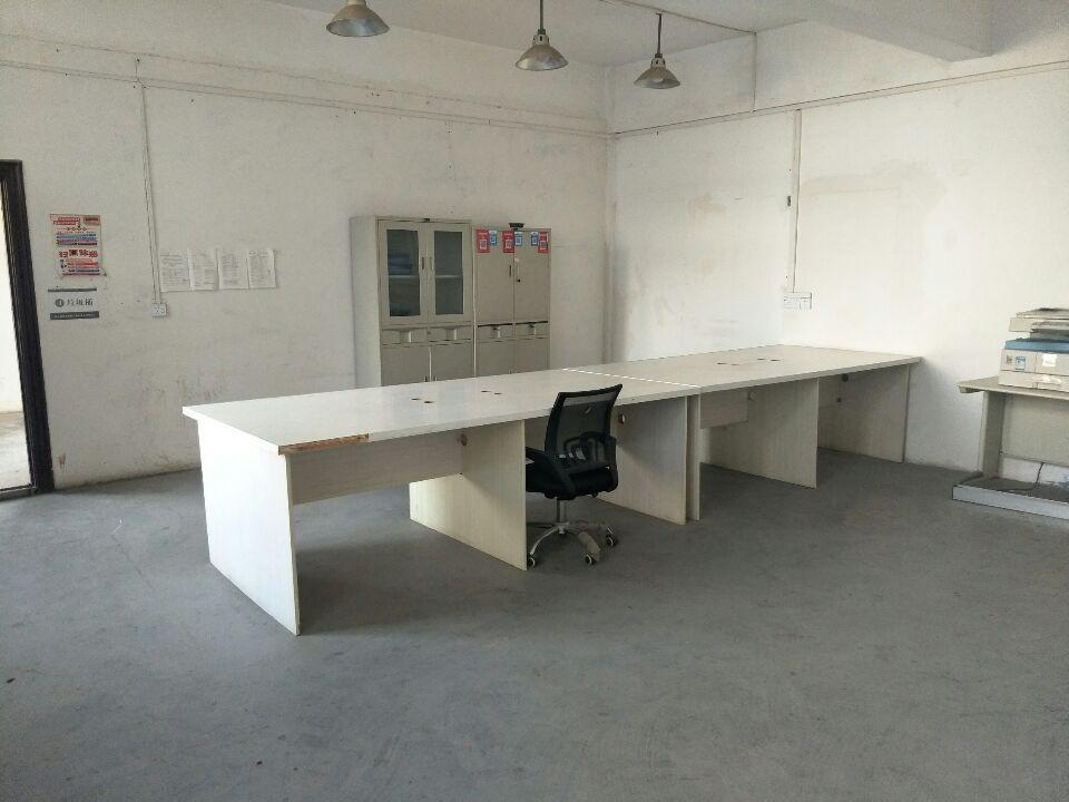 汉阳办公260平米,简装,紧临小区,配套齐全
