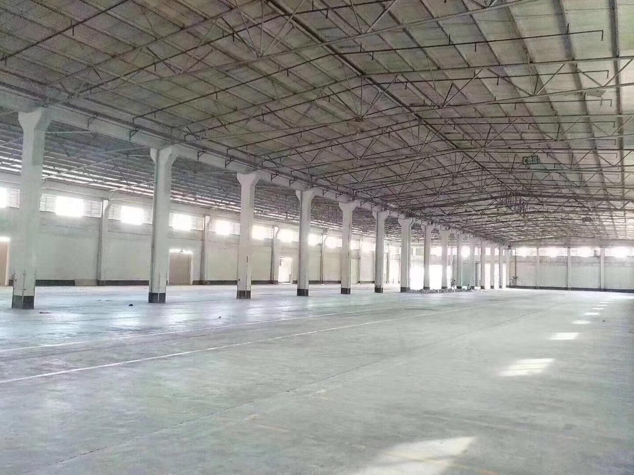 福永2.2万物流仓库,有23个卸货平台物流厂房22000平