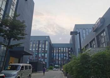 坂田华为基地旁边高新产业园1至4层14000平方面积大小分租图片2