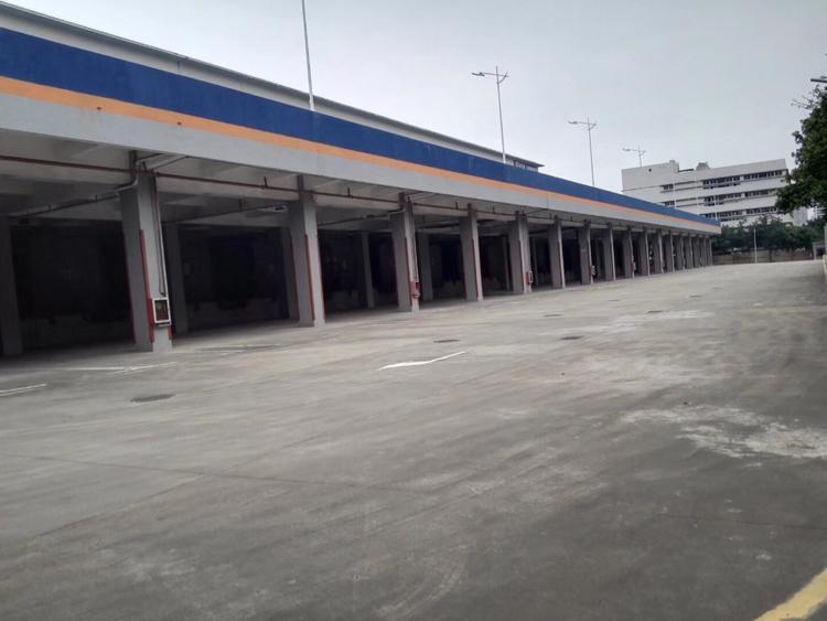 盐田红本物流仓一楼1.1万平一排卸货平台丙二类消防高度7