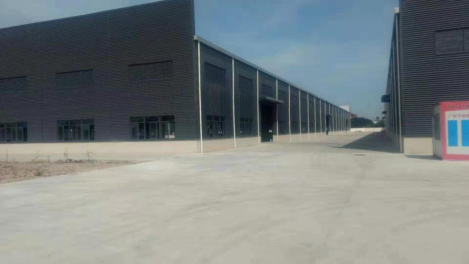 佛山三水区大塘工业园独院单钢结构厂房3.3万方出租。可分