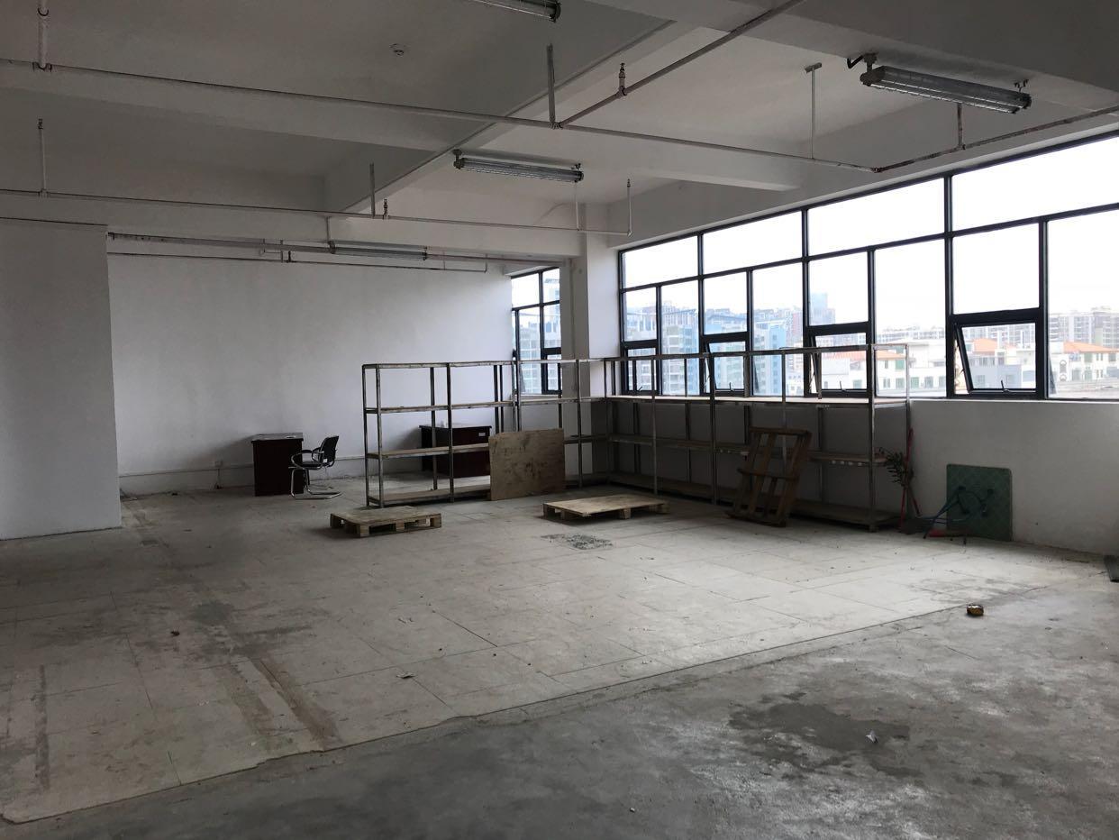 龙华汽车站附近厂房250平出租,适合仓库,电商等行业