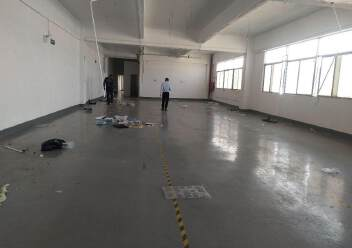 松岗燕川燕罗派出所附近楼上半层740平带装修厂房出租图片4