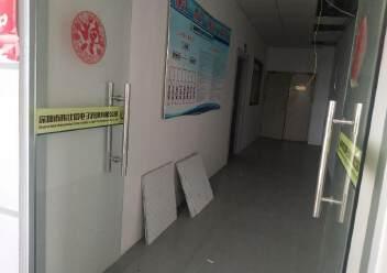 松岗燕川燕罗派出所附近楼上半层740平带装修厂房出租图片3