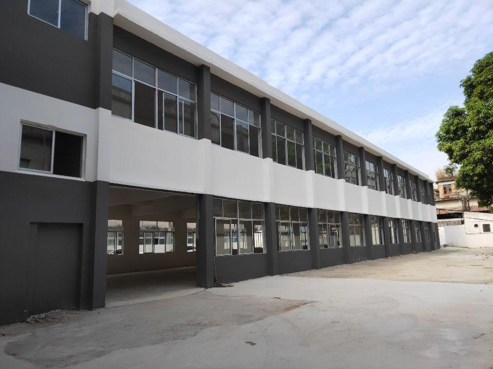 松岗国道精品6万块精品小独院空地超大厂房出租仓库出租。