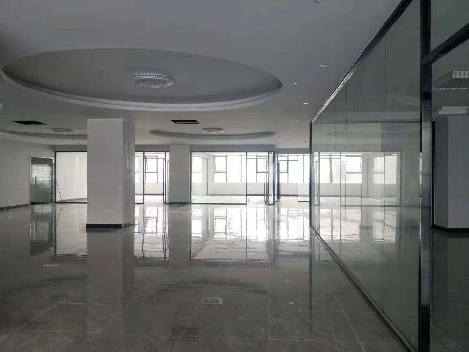3980平方米带豪华办公室车间装修厂房出租