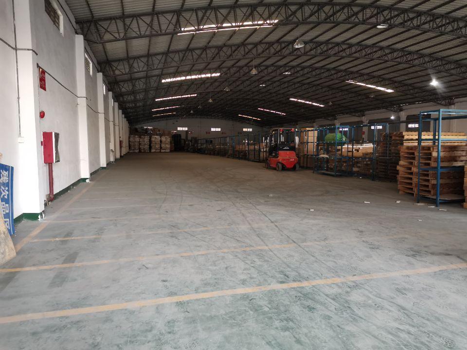 南沙榄核镇新出钢钩厂房2000平方,高度12米可架行车