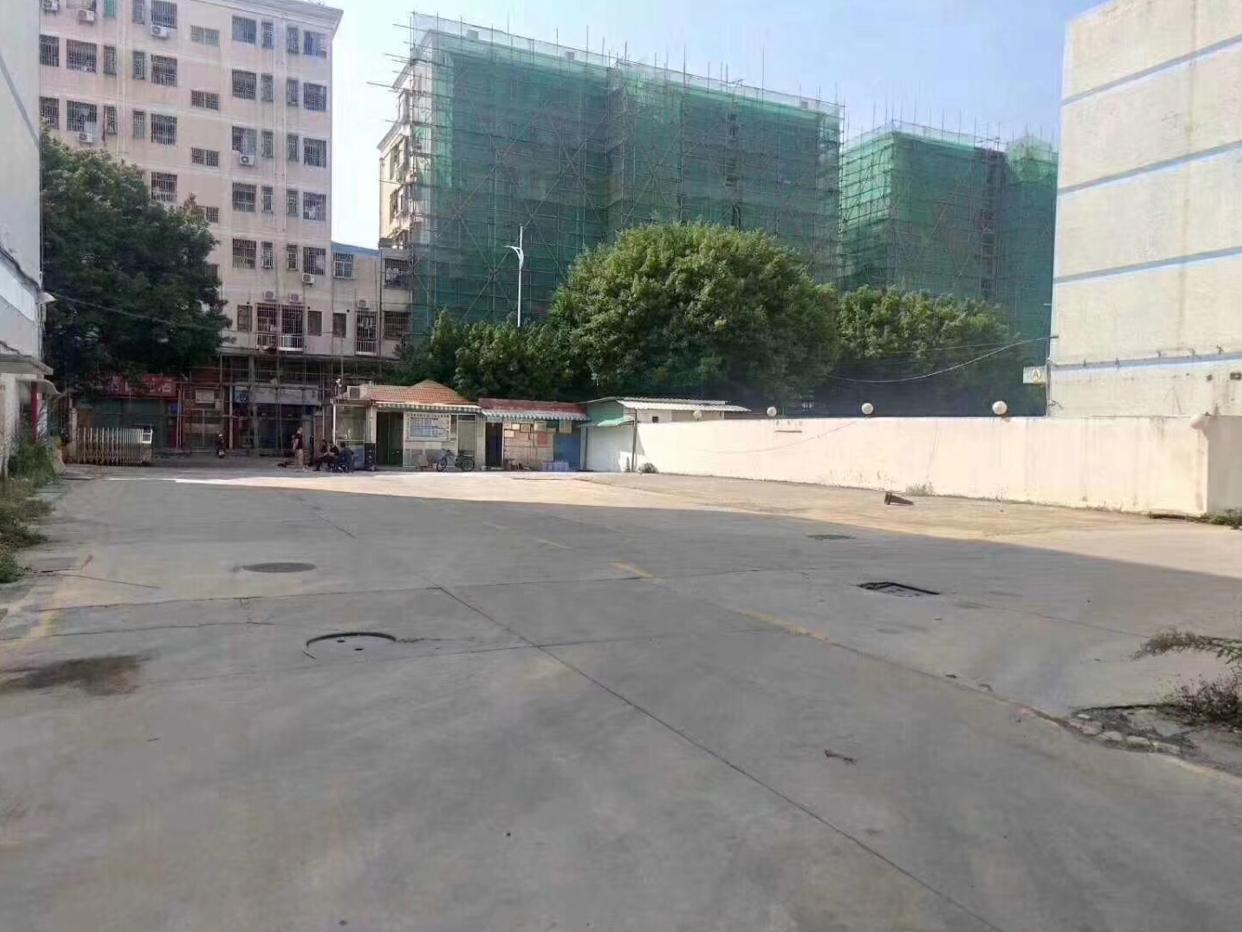 福永新和宝安大道边一楼600平米物流仓库出租,可分租可整租。