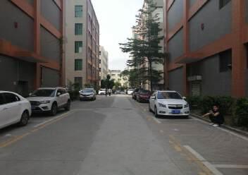 观澜原房东厂房出租楼上2200平米,园区厂房带消防喷淋。图片2