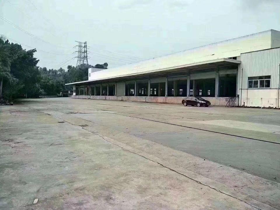 凤岗和深圳平湖交界处空出42000平方物流仓库单一层9.5米