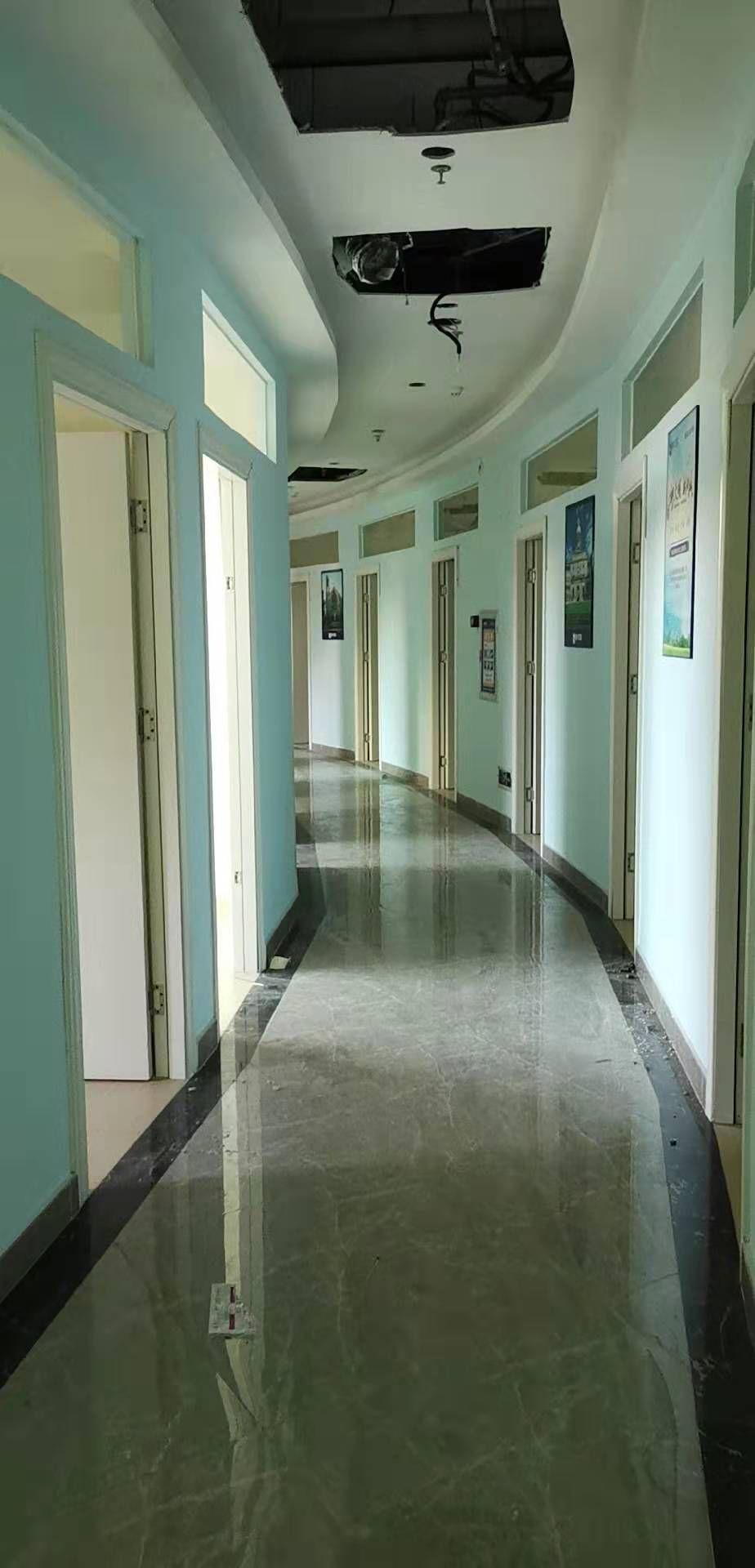 东莞市东城街道光明新出二楼1300平方厂房