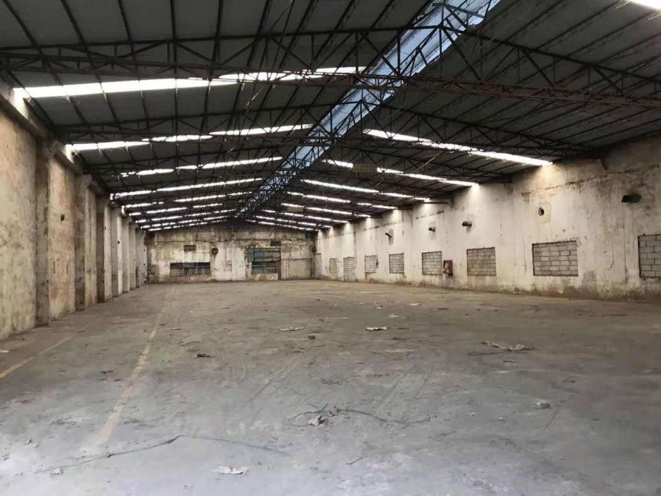 松岗钢钩厂房2500平,高度12米,空地10000平